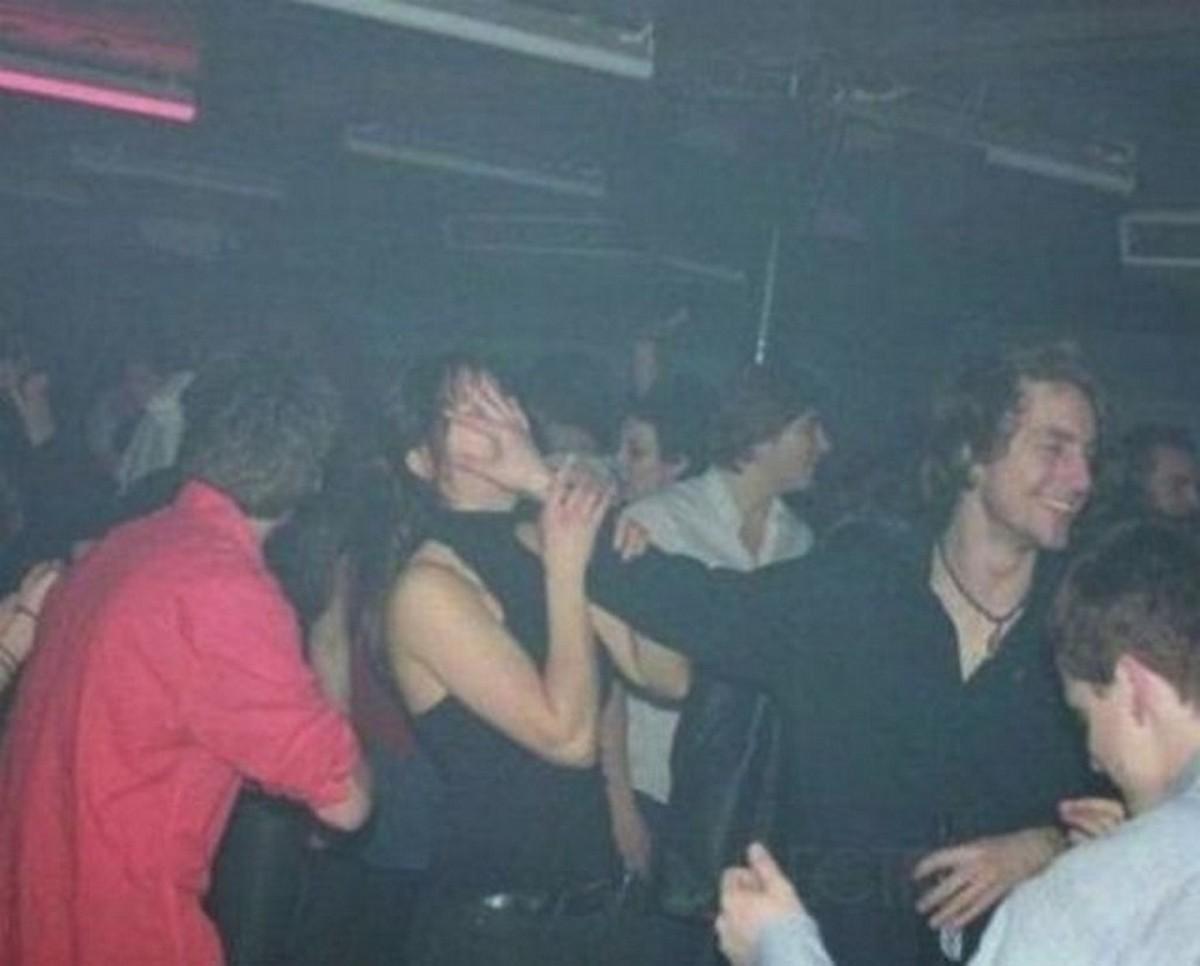 Трахнул прямо на дискотеке при всех, Чуваки трахают девушек на дискотеке в разные дырочки 15 фотография