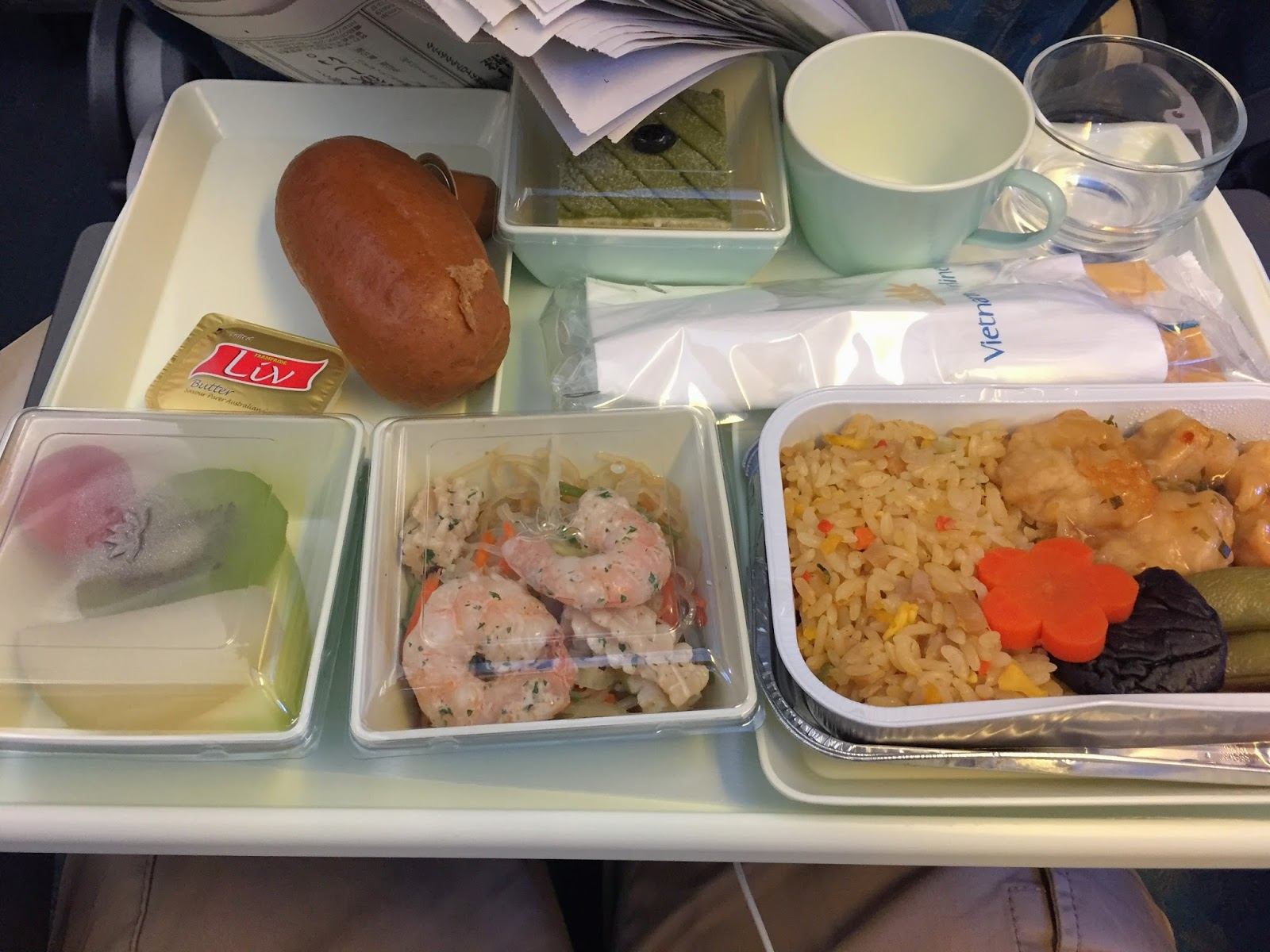 vietnam-airlines-economy-flight meal