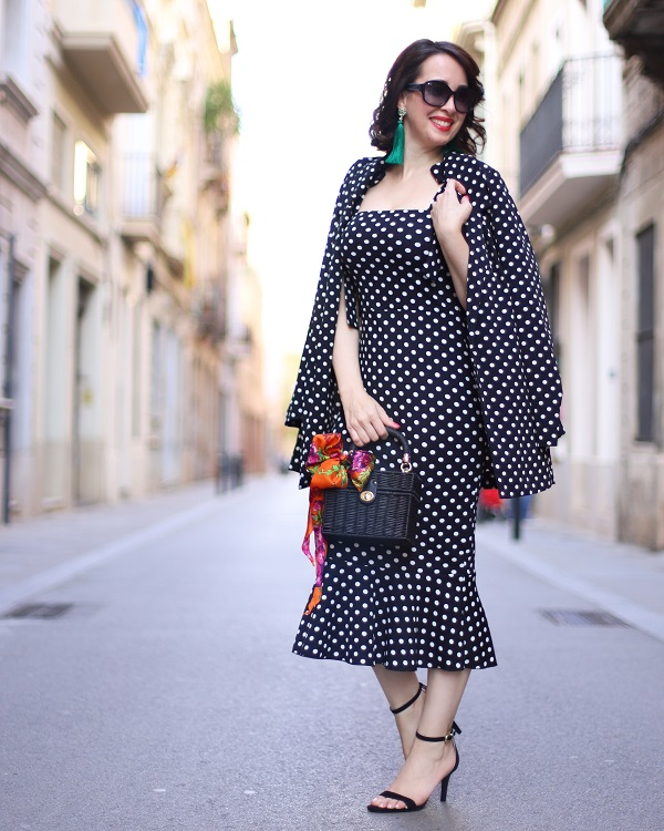 http://www.madamechicbcn.com/2018/04/dots-on-dots.html