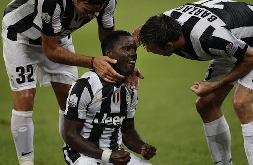 Kwadwo Asamoah celebrates after scoring against Napoli with Juventus teammates