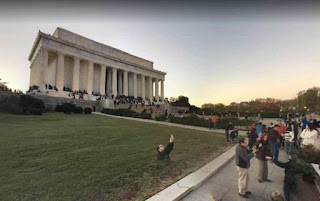 Lincoln Memorial is built to honor Abraham Lincoln