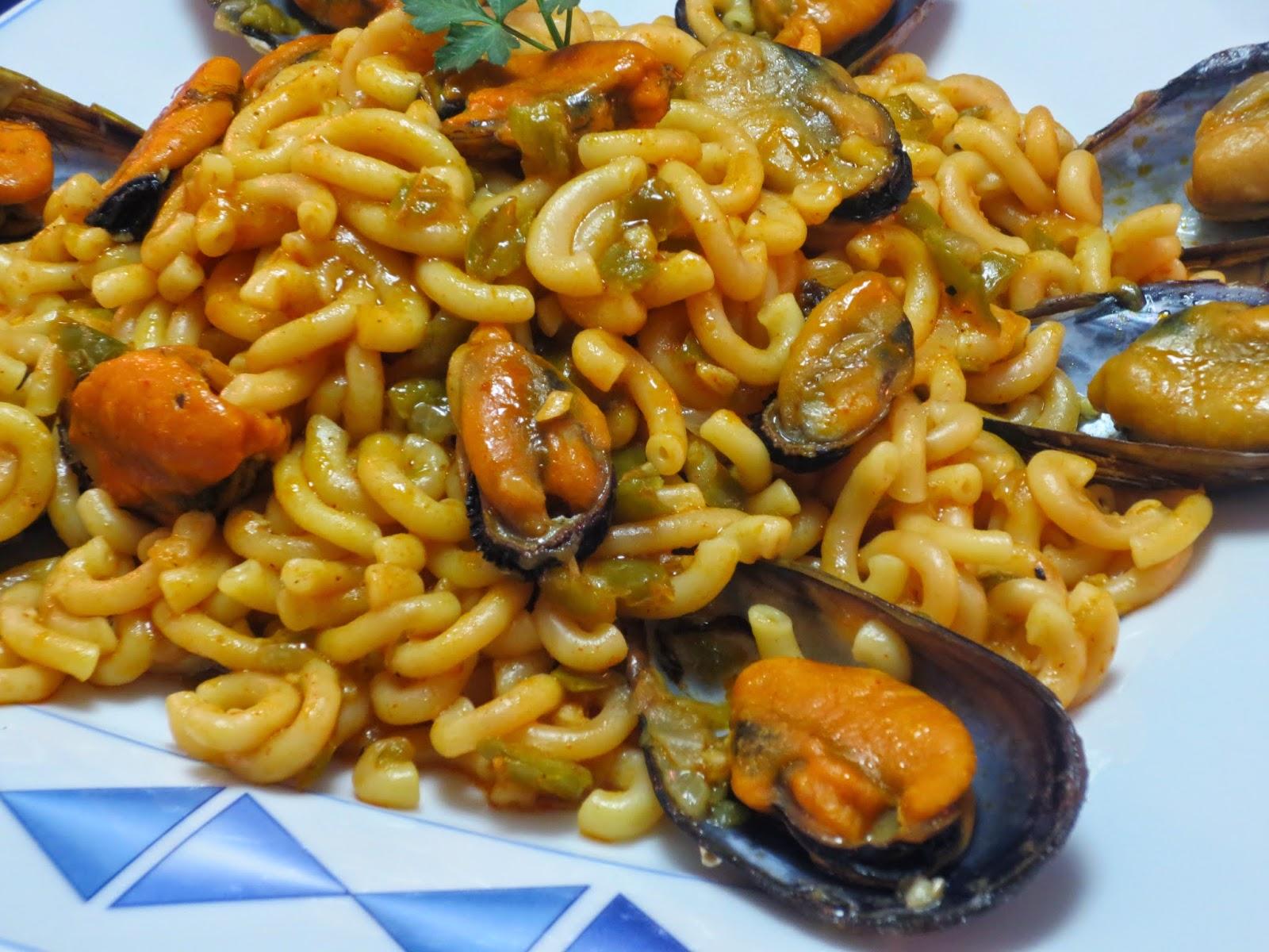 Fideuá con mejillones Ana Sevilla cocina tradicional