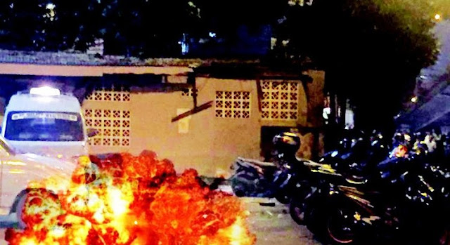 HOT NEWS - Terjadi Ledakan di Terminal Kampung Melayu, DKI Jakarta