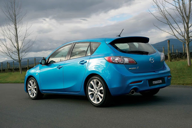 2010 Mazda 3 Sport Features and Reviews