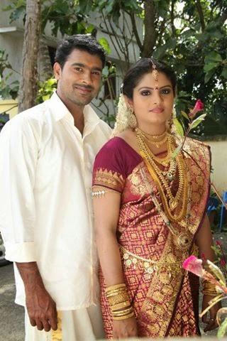 Parasparam Serial Actress Gayathri Arun Marriage Photos