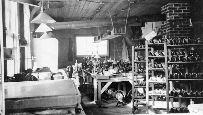 Secteur De Finition Des Chaussures Dans Une Manufacture Québec Archives La Ville