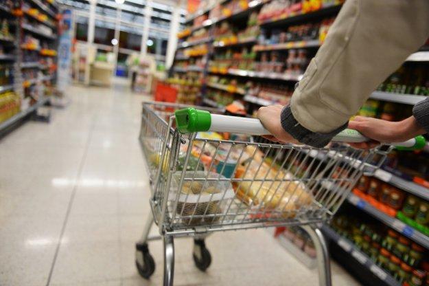 Οι Έλληνες μείωσαν κατά 15% το φαγητό εξαιτίας της κρίσης
