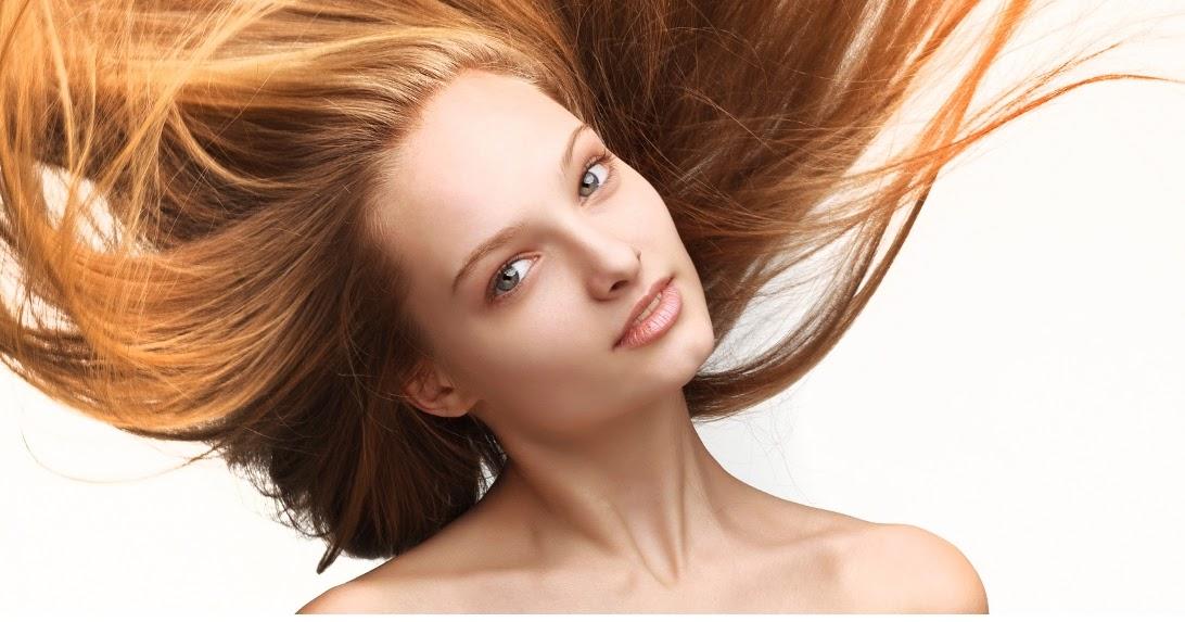 La máscara para los cabellos con dimeksidom y la vitamina
