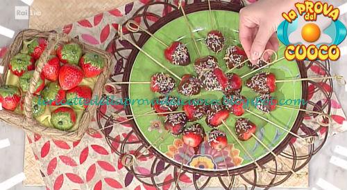 Ricetta dei Lollipop alle fragole da La Prova del Cuoco