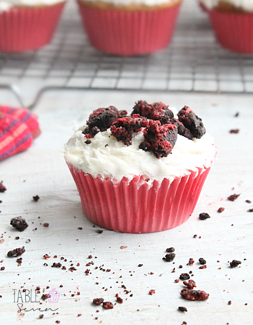 Cookies and Cream Cupcakes with Vanilla Butter Cream Frosting