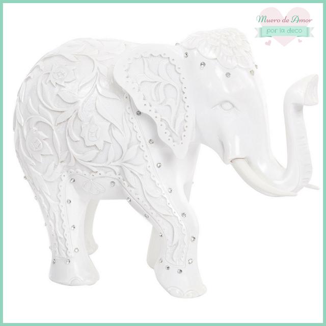 Decoración en blanco con figuras y animales-5
