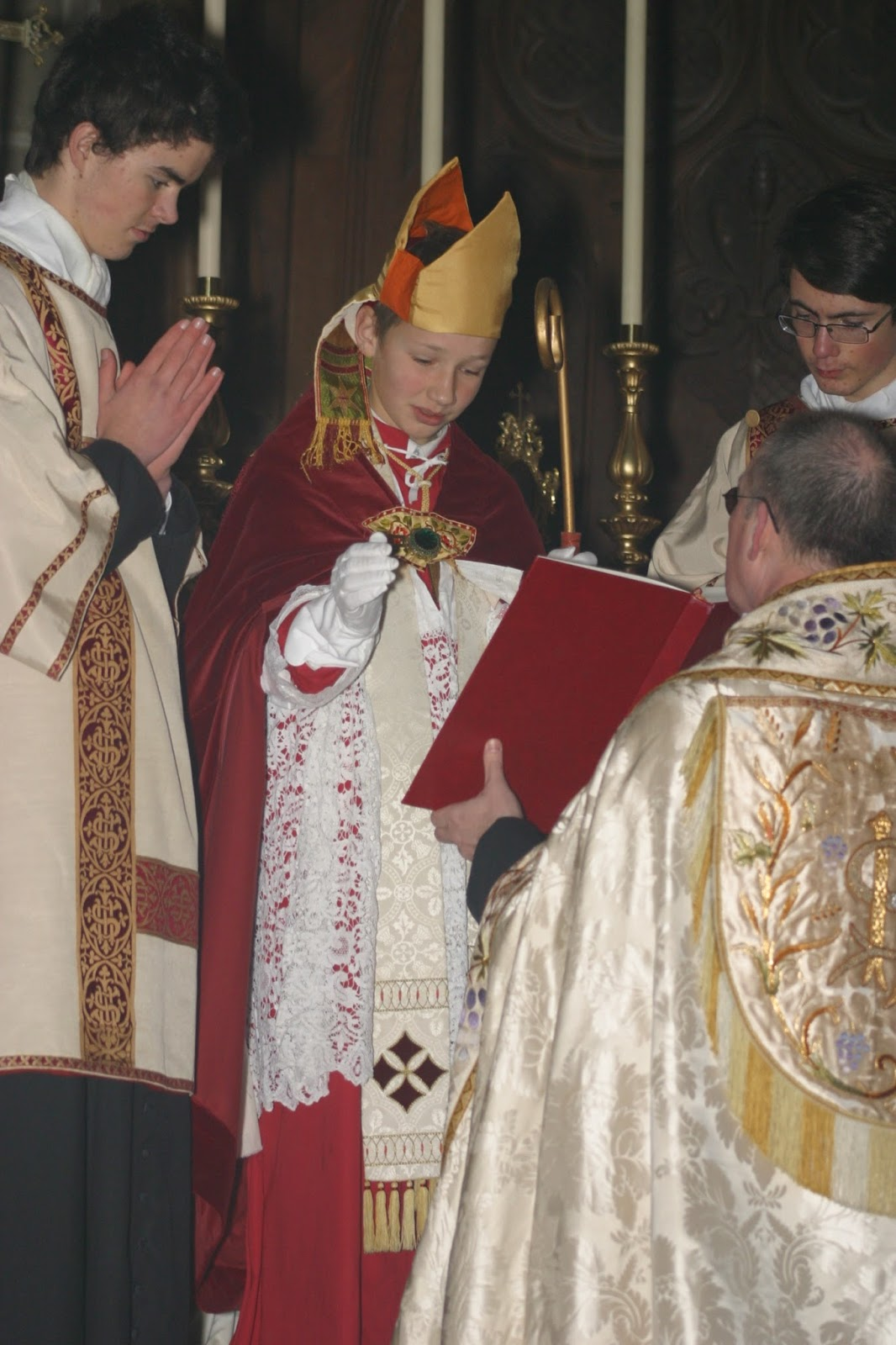Colleges In New England >> New Liturgical Movement: A Boy-Bishop for St Nicholas' Day