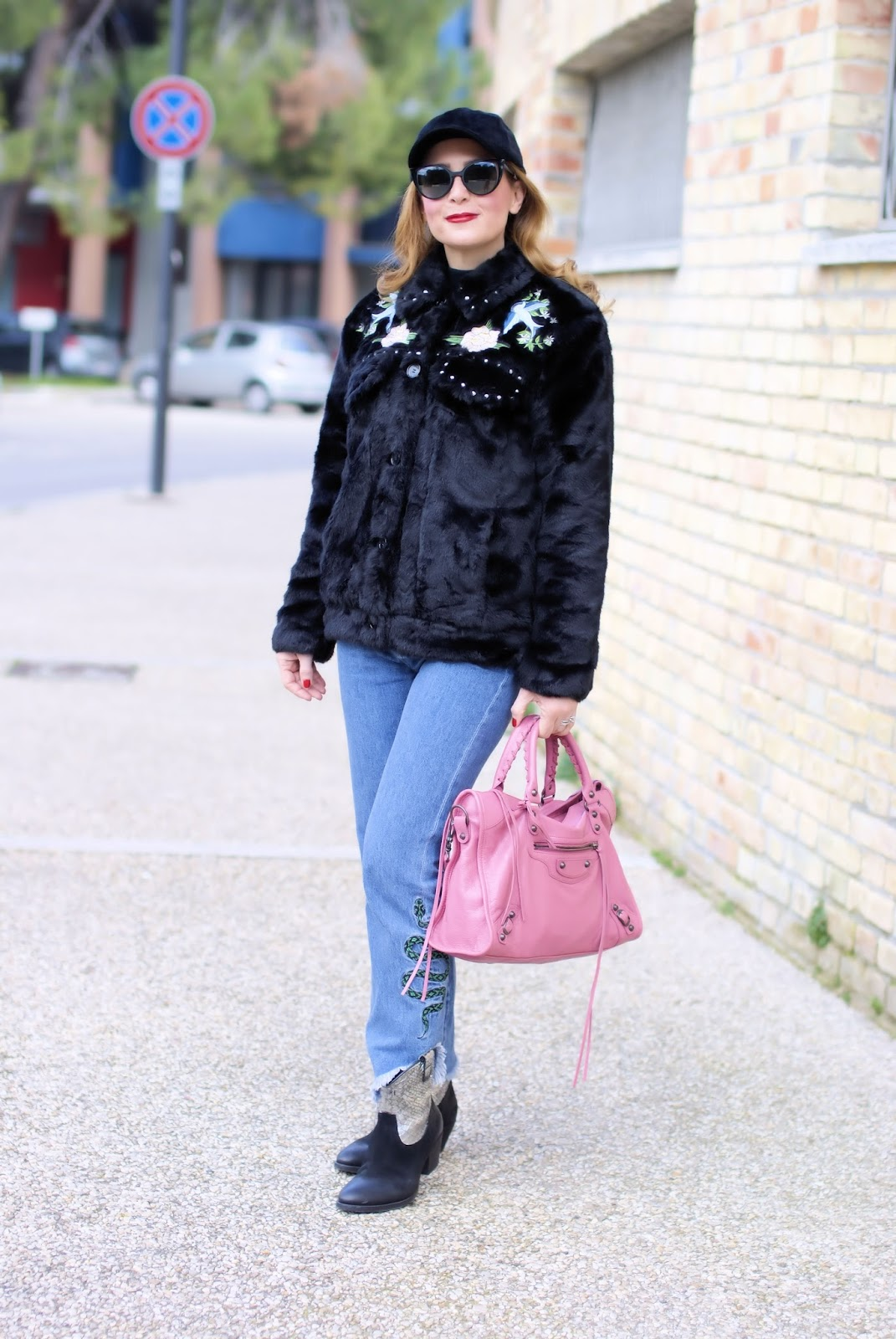 Country Western fashion trend with a Western faux fur jacket on Fashion and Cookies fashion blog, fashion blogger style