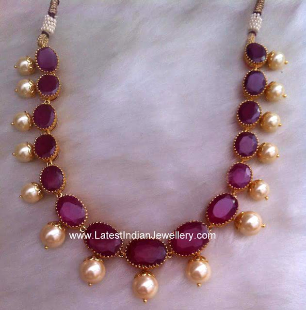 Solitaire Rubies Gold Necklace