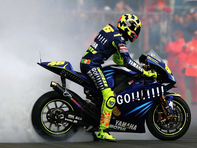 HD WALLPAPER VALENTINO ROSSI SUPER KEREN PC DAN SMARTPHONE IPHONE | dibingkai.com