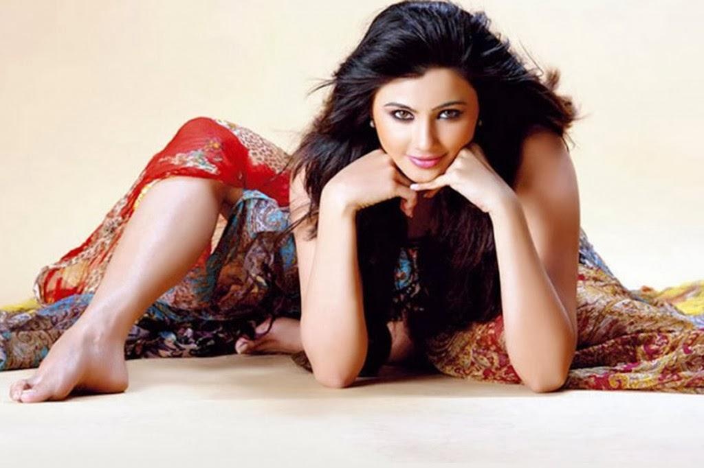 Daisy Shah Hd Wallpaper: Daisy Shah Indian Movie Jai Ho Actress HD Wallpapers