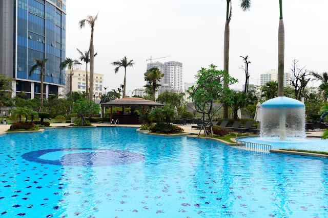 Bể bơi ngoài trời tại dự án Gelexia Riverside