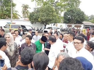Menteri Agraria Kunjungi Warga Telukjambe di Rumah Dinas Bupati Karawang