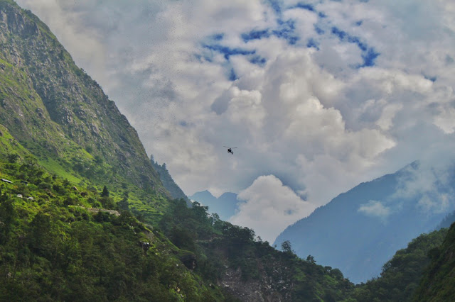 Chopper landing at the helipad of Govindghat