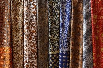 Tips Mencuci Baju Batik Sutera Agar Awet Dan Tahan Lama