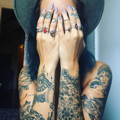 29 Super Sexy Feminine Tattoos