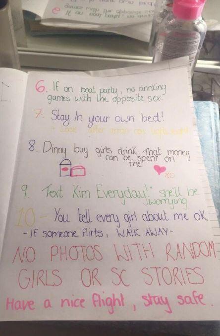 Se va de vacaciones con amigos y su novia le escribe reglas