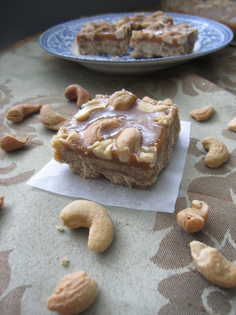 Butterscotch Cashew Squares Recipe