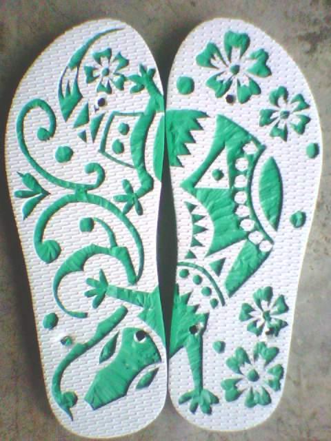 kerajinan tangan lukis sandal jepit: 2015