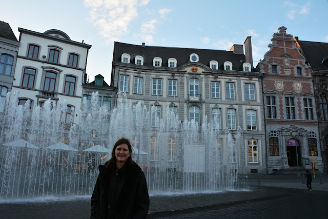 General Mons fountains
