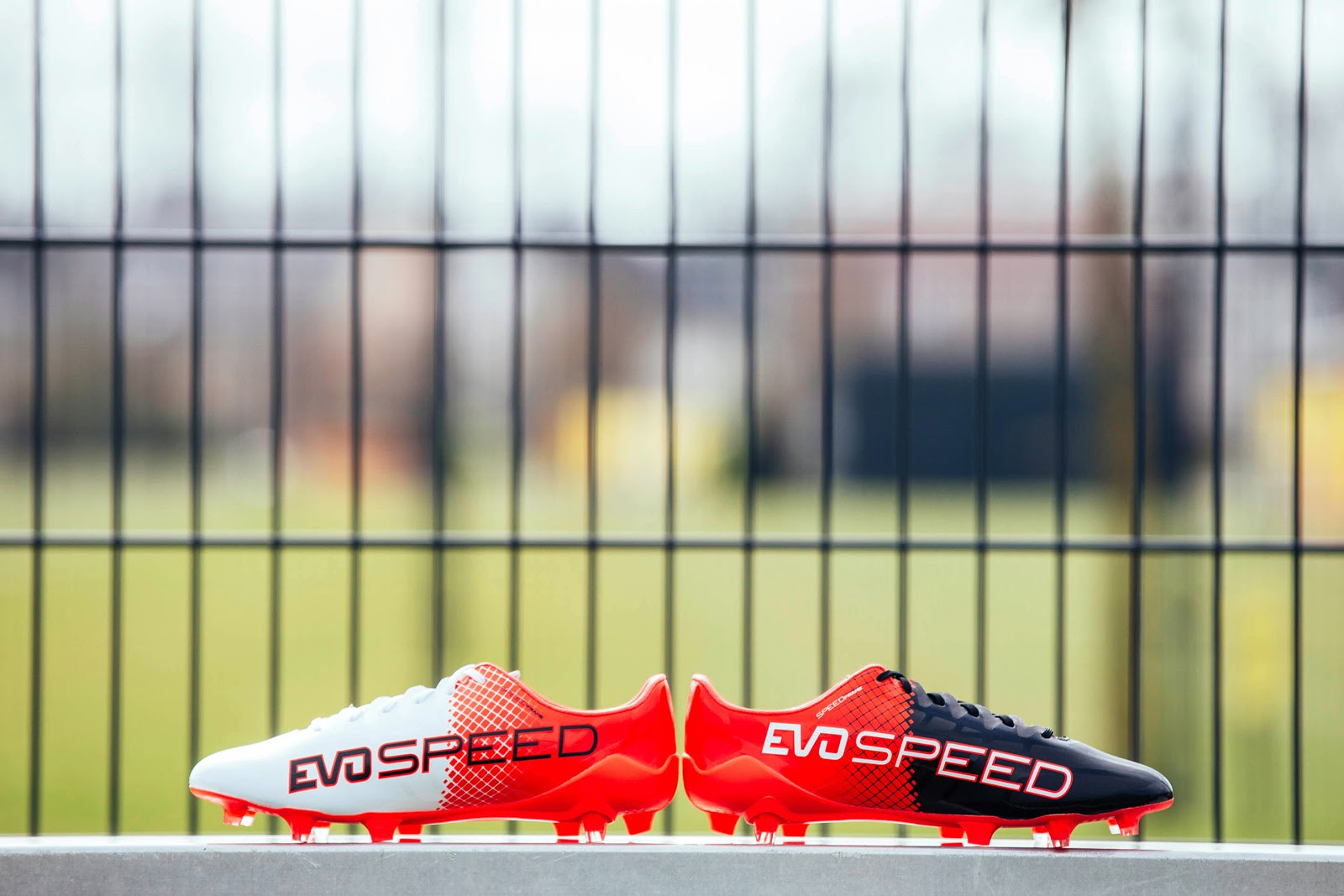 separation shoes b6ac6 29ee8 Yükle (1600x1067)Two-Colored Red   Black Puma evoSPEED 2016-2017 Boots  Released - Footy HeadlinesPuma evoSPEED SL-S II Red Blast   Black   White.