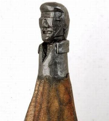 esculturas miniatura con punta de lápices
