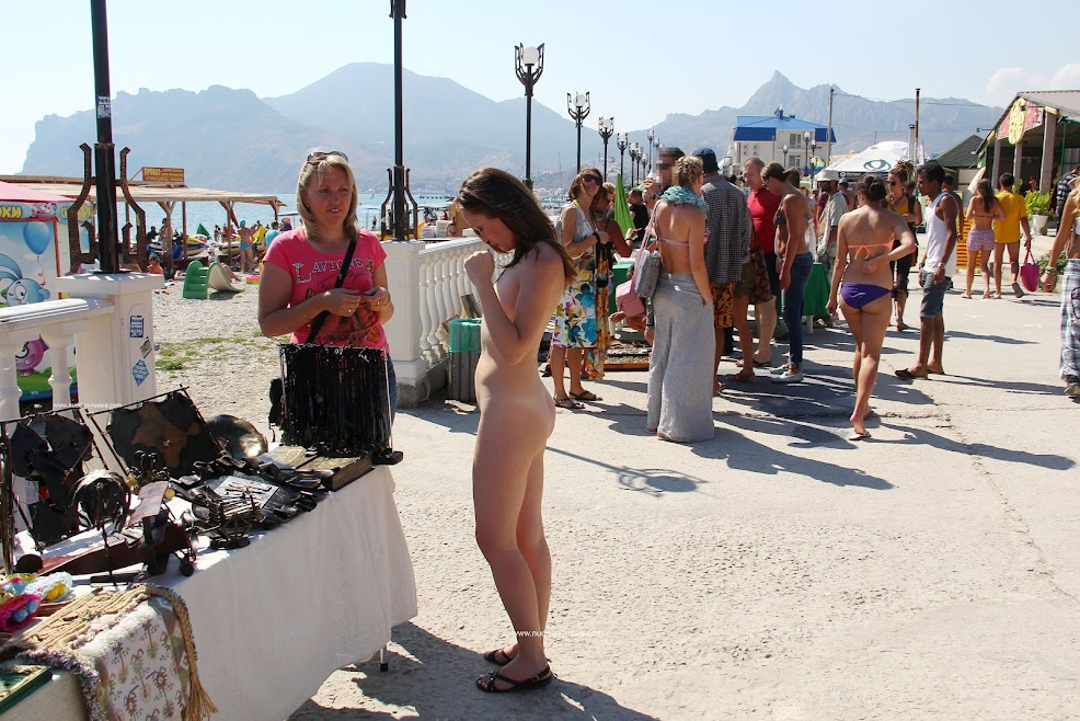 [Nude-in-Russia] Asja K - Walk Along The Embankment Of Koktebel