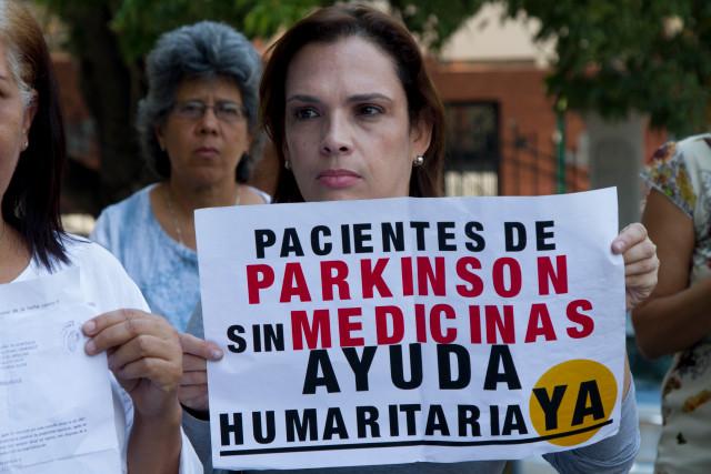 Piden ayuda humanitaria: Pacientes con parkinson tienen dos años sin tomar medicamentos