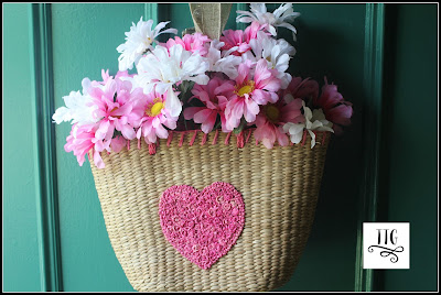 How to make a woven basket purse doorhanging at thethriftygroove.com so simple and thrifty