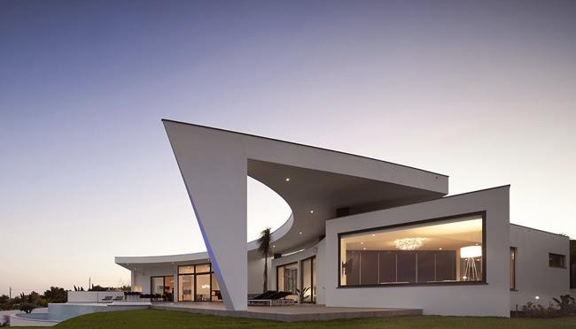 Casas minimalistas y modernas casa minimalista circular for Casa minimalistas