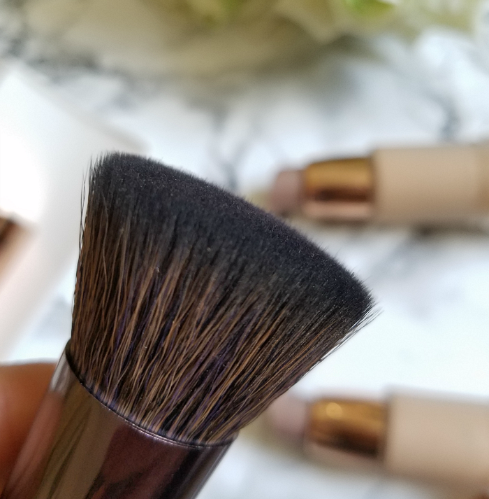 Review: nude by nature - Buffing Brush - 25.00 Euro