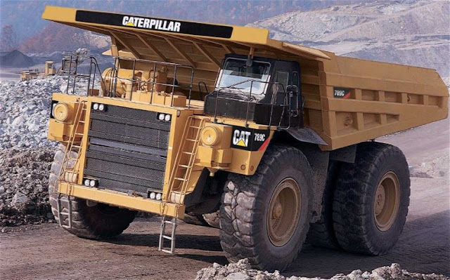 Gambar truk haul Caterpillar Cat 789C
