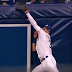 Kevin Kiermaier makes incredible leaping catch vs. Blue Jays