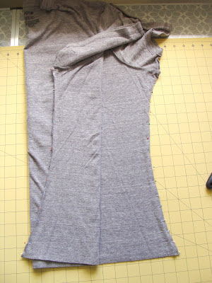 resizing t-shirt both sides cut and pinned