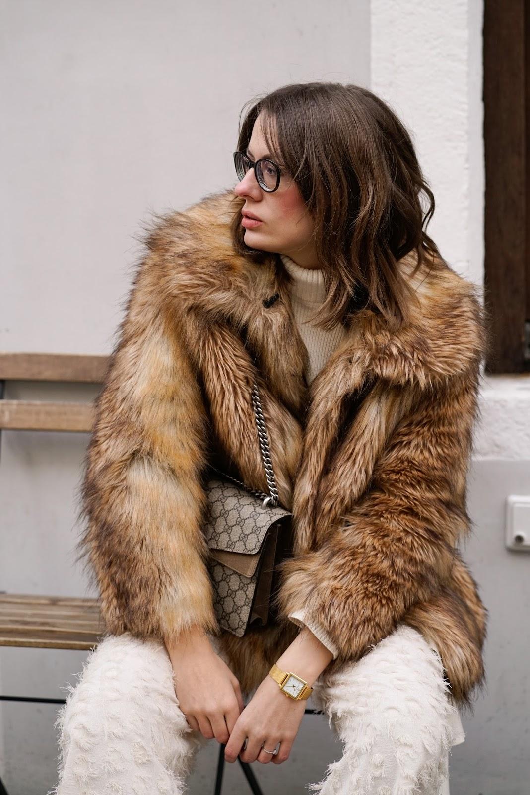 stay warm faux fur jacke fashion equals science. Black Bedroom Furniture Sets. Home Design Ideas
