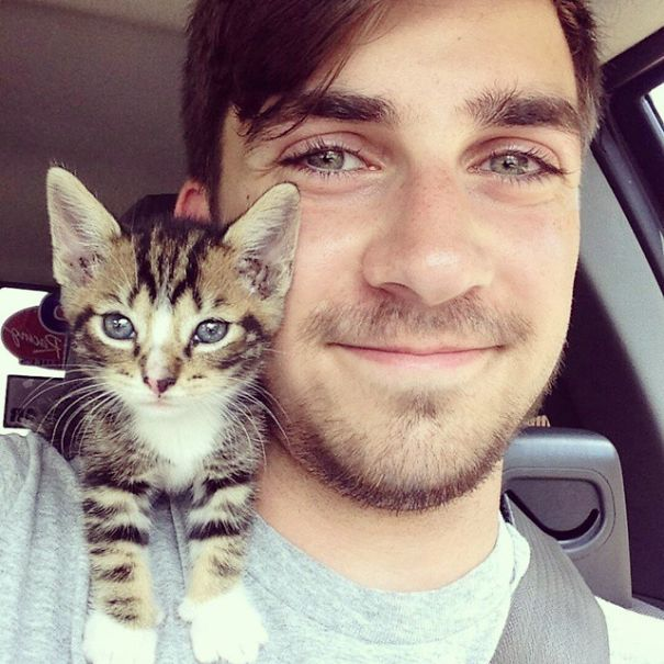 Hot Dudes With Kittens Instagram Is What You Need Right Meow