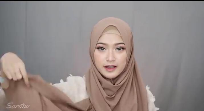 Blognya Inda Chakim Tutorial Hijab Simpel Untuk Ibu Menyusui Agar Terlihat Fresh Dan Trendy