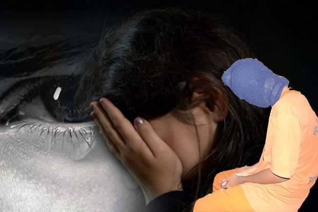 Beritatotokita.info - Gila !!! Ayah Tega Mencabuli Anak Kandungnya Didepan Istrinya
