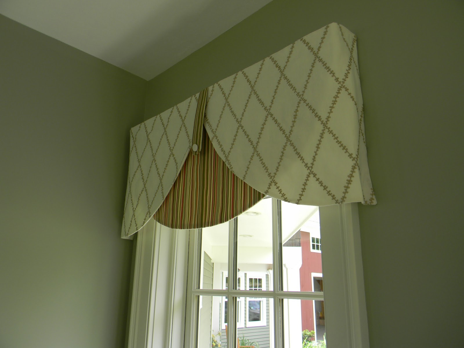 two fabrics contrasting patterns and shapes enhance details of the room - Valance Design Ideas