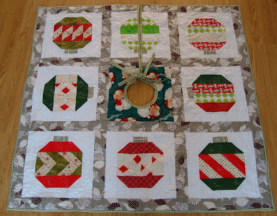 Christmas vintage holiday tree skirt quilt