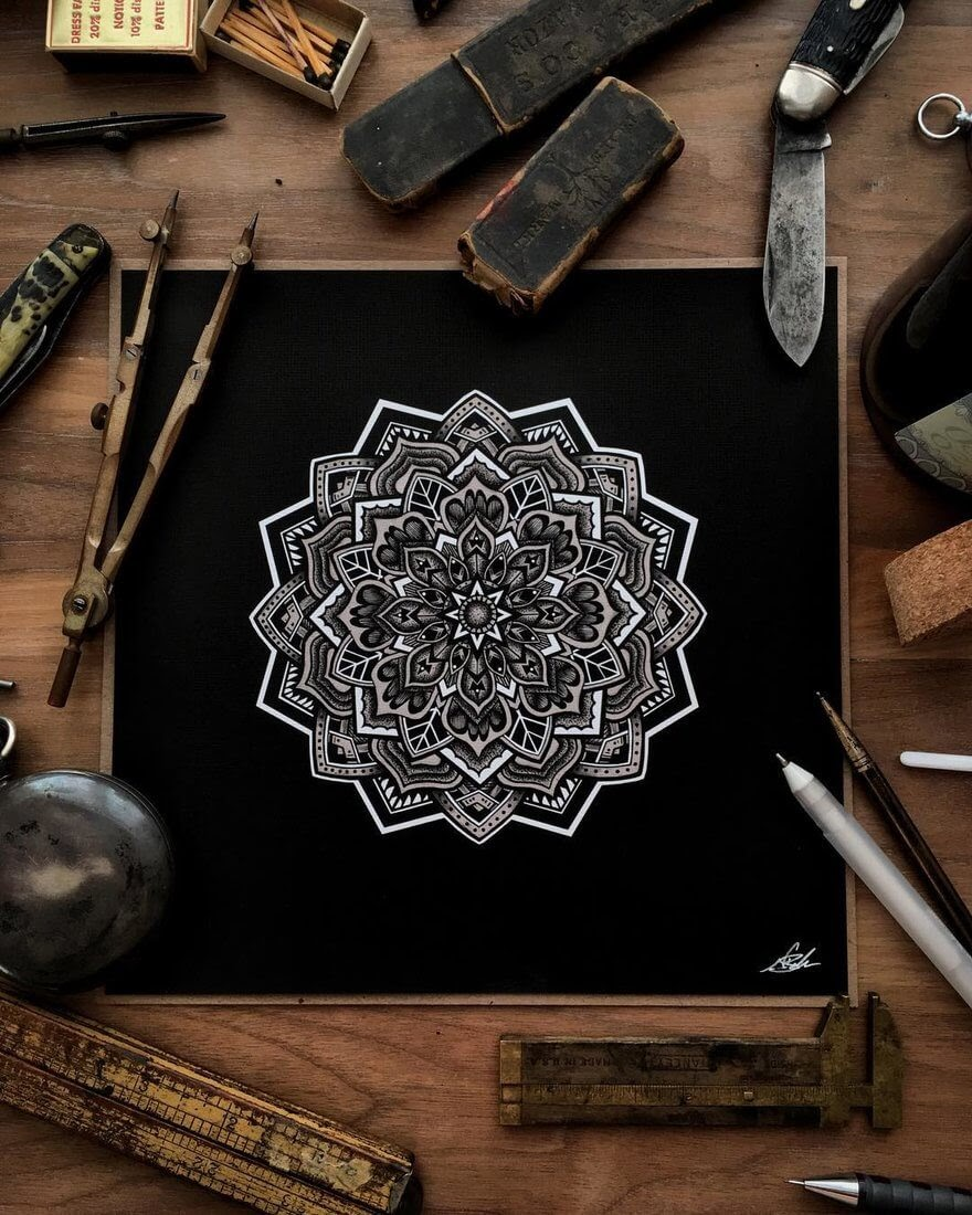06-Mandala-Nicholas-Baker-Stippling-Black-and-White-Drawings-www-designstack-co