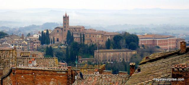 Vista do topo do Facciatone da Catedral de Siena