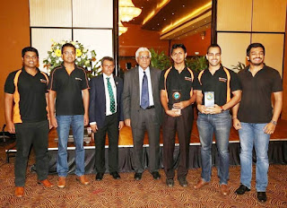 99X Technology Technical Lead Sabry Moulana, 99X Technology Senior Technical Lead Sudath Thenuwara, Shippers' Academy of Colombo CEO Rohan Masakorala, Central Bank of Sri Lanka Governor Indrajit Coomaraswamy, 99X Technology Associate Technical Lead and Quiz Team Captain Shirantha De Alwis, 99X Technology Associate Technical Lead Rangitha Kuruppu and 99X Technology CEO Apprentice Raveen Ubeysekera