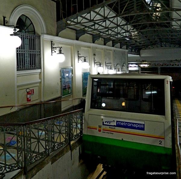 Carro do Funicular Central de Nápoles, Itália