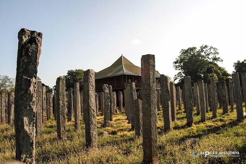 Los 1600 pilares de piedra de Lovamahapaya | Sri Lanka